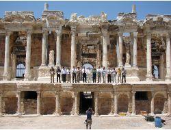 Akdeniz Havzasının En Önemli Antik Tiyatrosunda,restorasyon 50 Yılda Tamamlandı