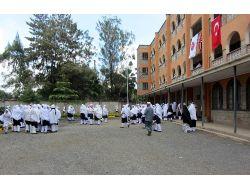 Tika'dan Nairobi Müslüman Akademisi'ne Malzeme Desteği