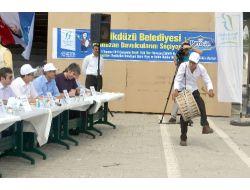 Davulcular, Ramazanda Çalmak İçin Kıyasıya Yarıştı