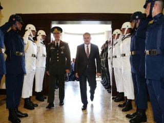 Başbakan'dan Genelkurmay'a geçmiş olsun ziyareti