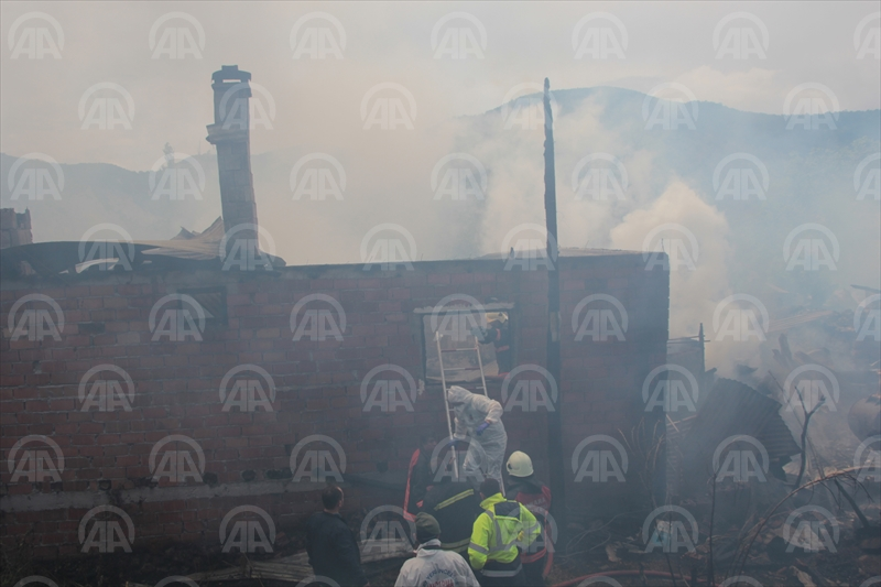 Ankarada yangın: 1 ölü, 2 yaralı