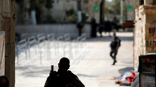 İsrail, Mescid-i Aksanın çevresini boşalttı!