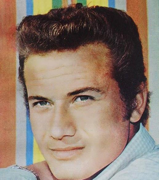 Ünlü oyuncu Kuzey Vargın 74 yaşında hayatını kaybetti!