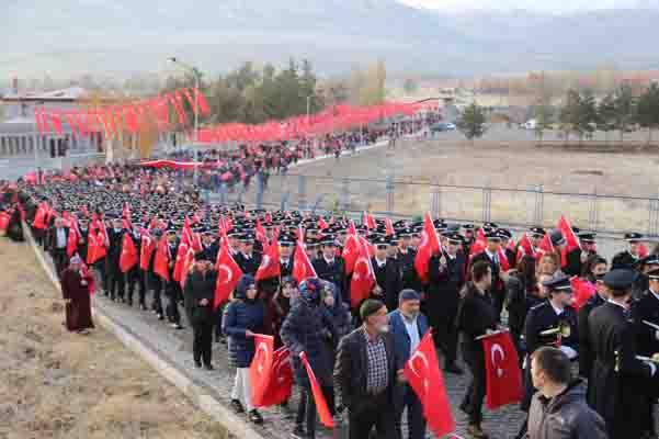 20 bin Erzurumlu, Aziziye Tabyalarına yürüdü!