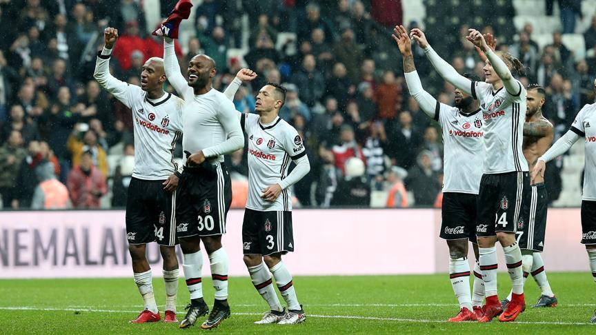 Beşiktaş gol oldu yağdı!