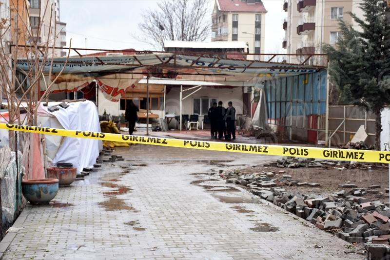 """Kaçak kazıya baskın yapan polis, """"tarihi"""" korudu"""