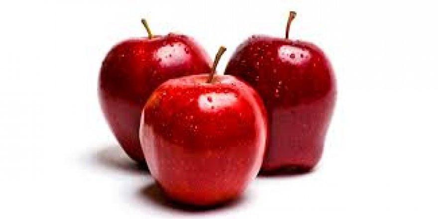 Uçakta ikram edilen elmaya 500 dolar gümrük cezası