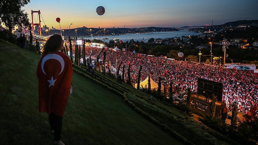 Vatandaşlar 15 Temmuz Şehitler Köprüsü'ne akın etti!