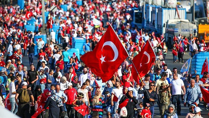 Türkiye demokrasi nöbetindeydi