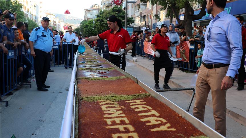 Hatay'ın ana vatana katılışı 79 metrelik künefeyle kutlandı