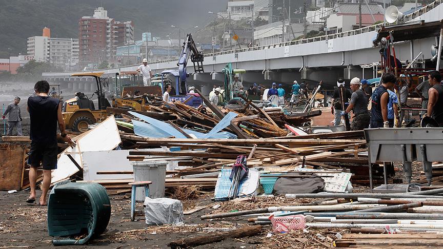 Japonya'yı tayfun vurdu!
