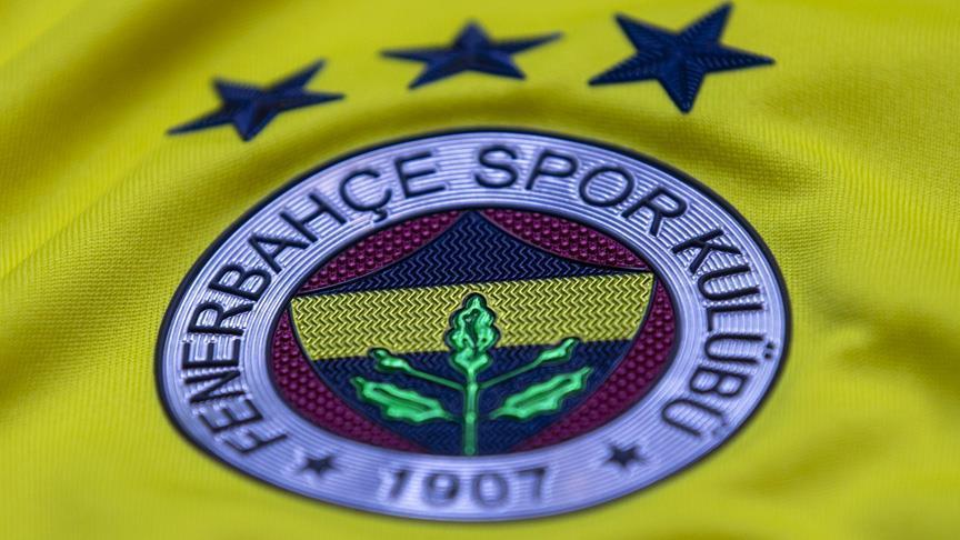 Fenerbahçe genç futbolcusunu profesyonel yaptı