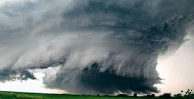 ABD'de Gordon Tropik Fırtınası can aldı