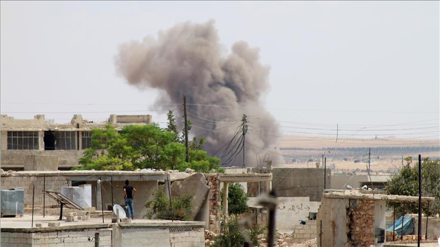 Suriye'nin İdlib ve Hama illerinde hava saldırıları sürüyor