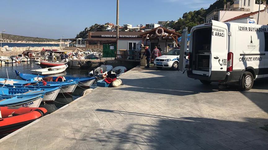 İzmir'de göçmenleri taşıyan tekne battı!