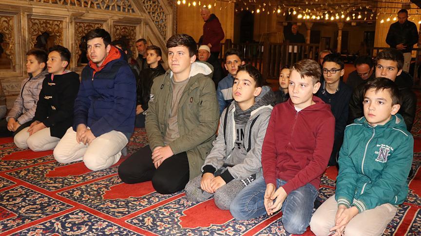 Gençler sabah namazında Selimiye Camisi'nde buluştu