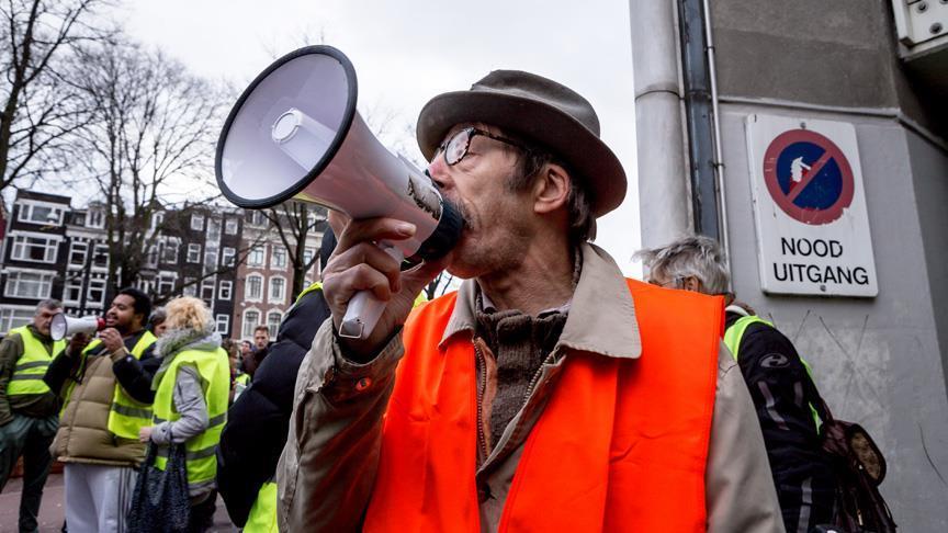 Hollanda'da 'kırmızı yelekliler' eylem yapacak