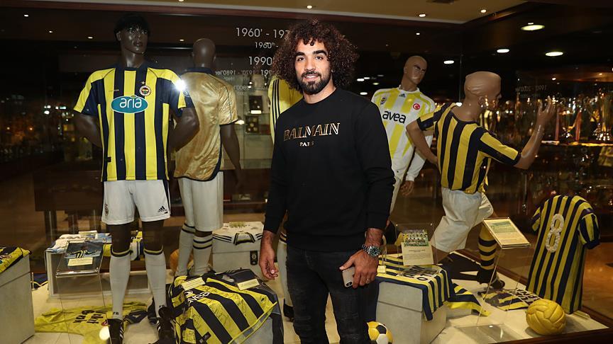 Sadık Çiftpınar Fenerbahçe kampına katıldı