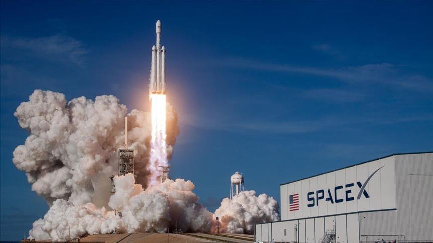 SpaceX'in personel taşıyıcı kapsülü uzaya fırlatıldı!