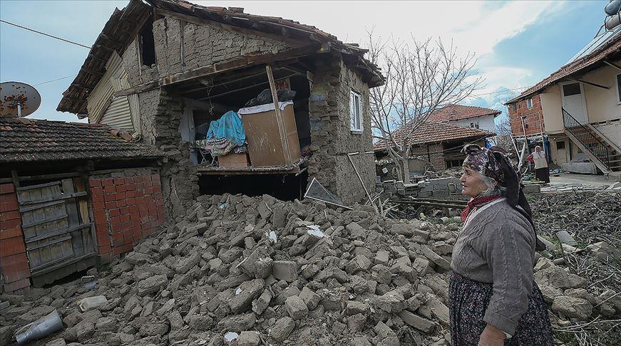 '278 yapıda hasar var, 22 kişi yaralandı'