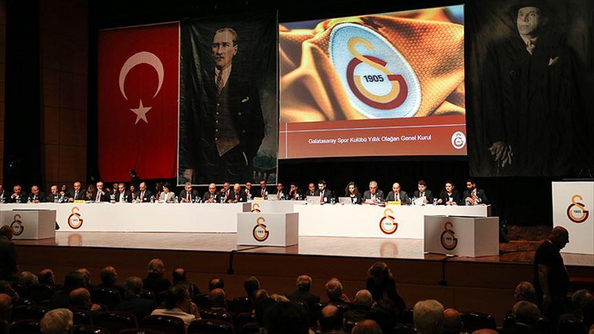 Galatasaray'ın toplam borcu 2 milyar 825 milyon 755 bin 791 TL