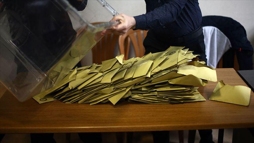 YSK Maltepe'deki tüm oy sayımlarının iptali yönündeki kararı kaldırdı