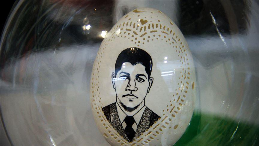 Yumurta kabuklarını sanat eserine dönüştürüyor