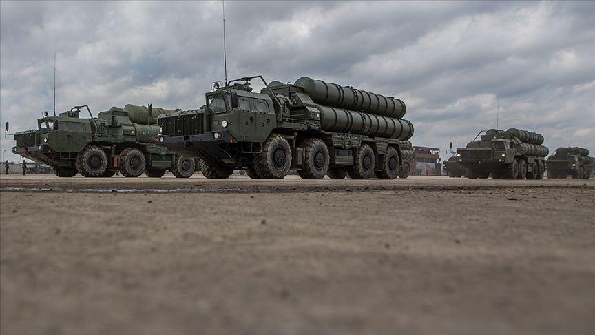 Kremlin: Türk ortaklarımızla işimiz S-400 anlaşmasını uygulamak