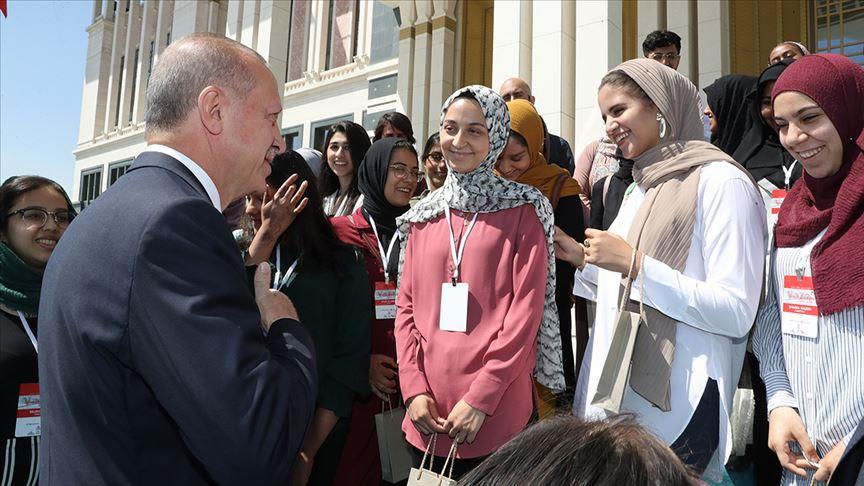 Cumhurbaşkanı Erdoğan Amerikalı öğrencilerle...
