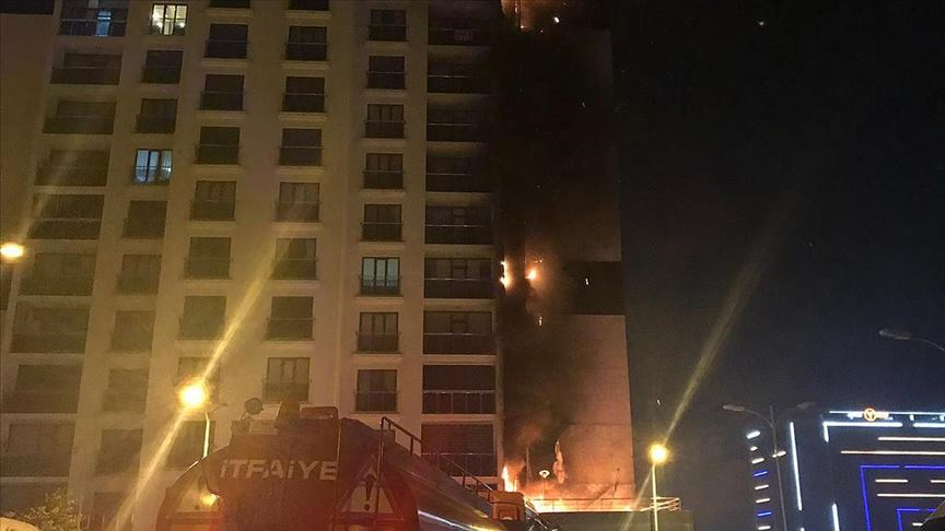 Başkentte 16 katlı binada yangın çıktı!