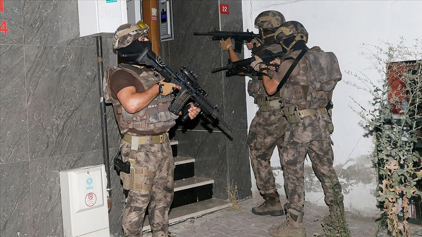 İstanbul'da uyuşturucu operasyonu: 20 gözaltı