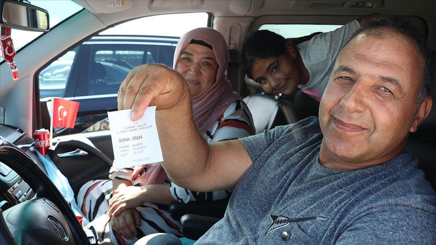 İlk kez uygulanan sistem yurt dışında yaşayan Türkleri memnun etti