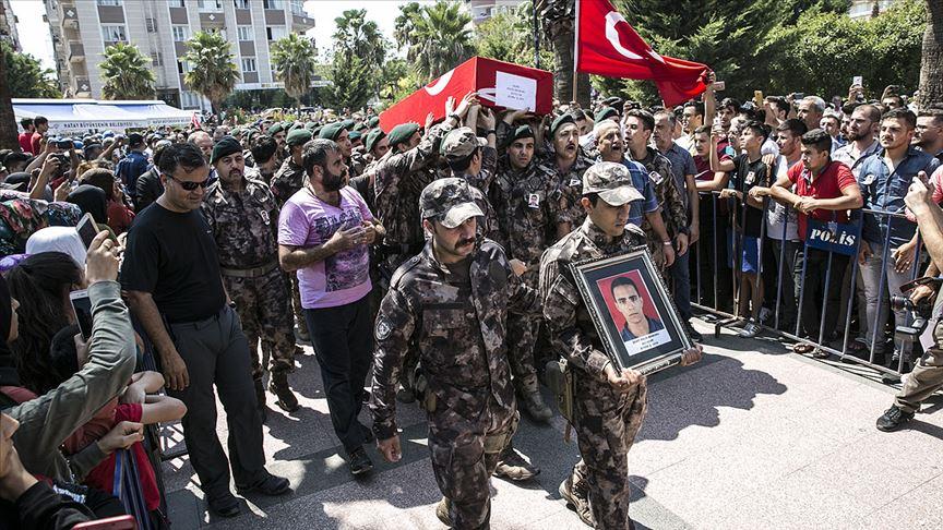 Şehit polisler son yolculuklarına uğurlandı