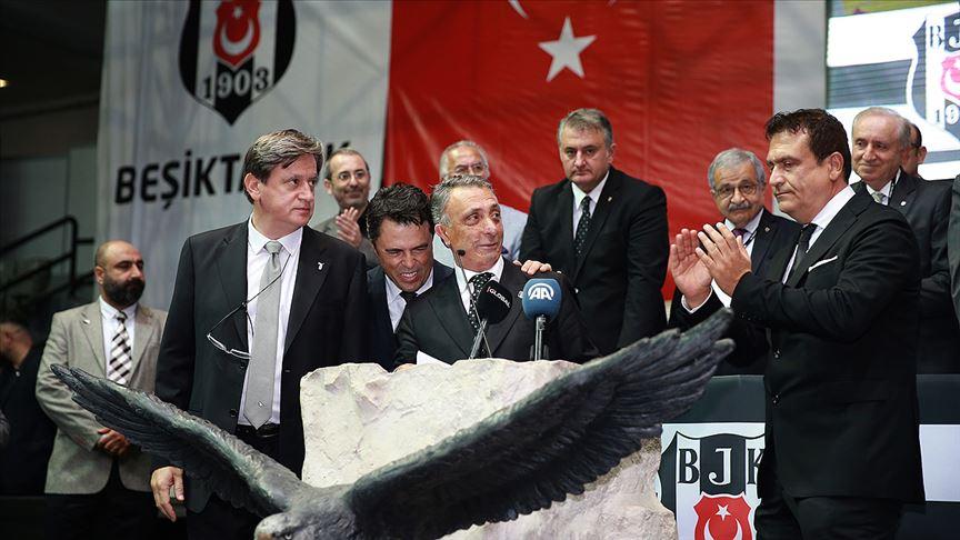 'Beşiktaş'ın 34. başkanı Ahmet Nur Çebi'