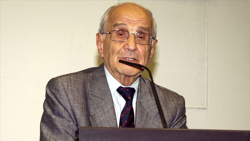 Prof. Dr. Mümtaz Soysal hayatını kaybetti!