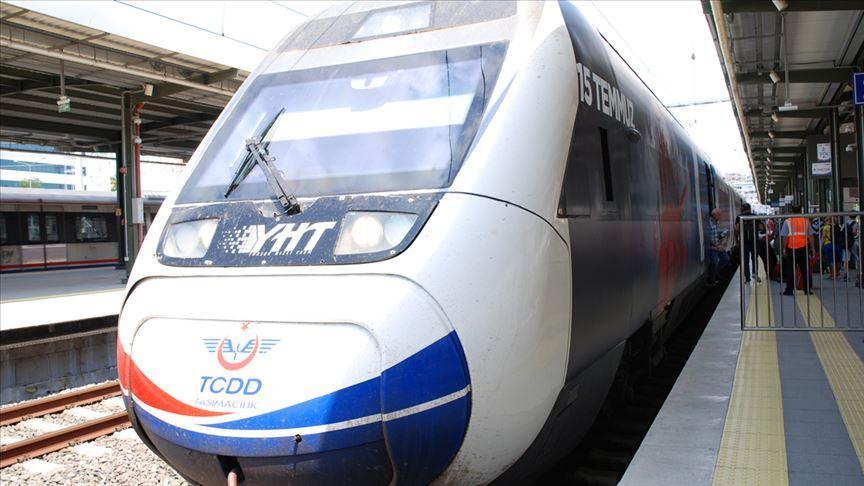 Öğretmenlere tren bileti ve kargoda '24 Kasım' indirimi