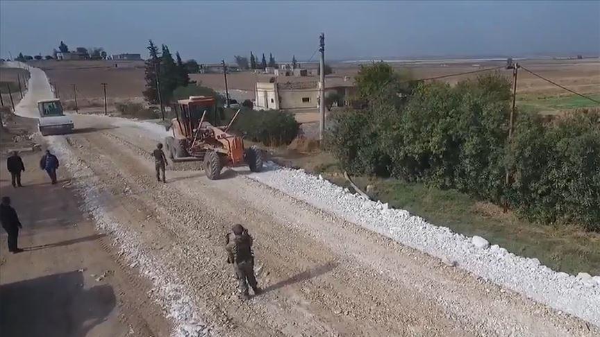 MSB, Türkiye'nin Tel Abyad'daki yol yapım çalışmalarının görüntülerini paylaştı