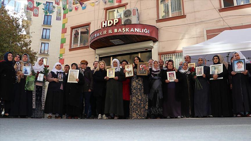 Yurt dışında yaşayan Türklerden Diyarbakır annelerine destek