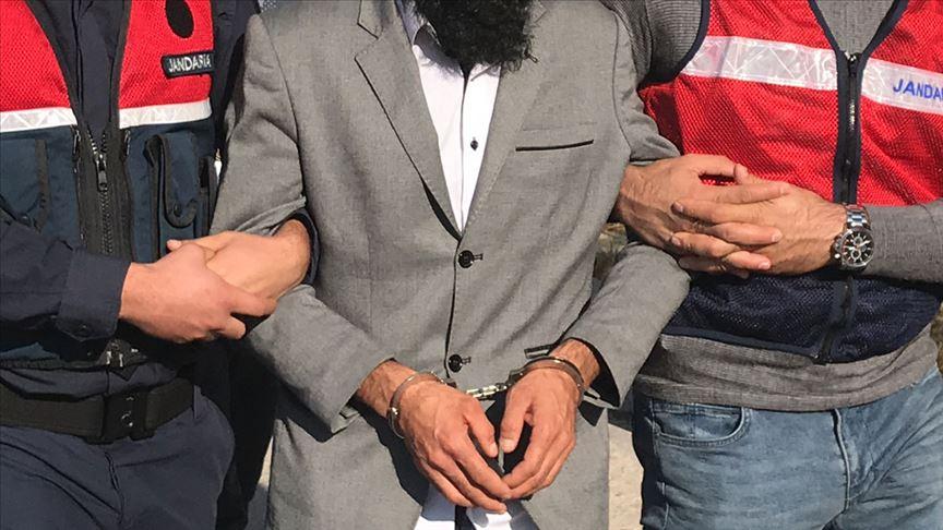 Kilis'te biri kırmızı bültenle aranan 2 DEAŞ'lı yakalandı