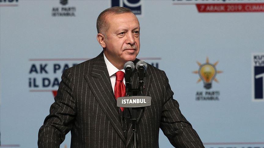 Cumhurbaşkanı Erdoğan: Vatandaşa tepeden bakan kibir abidelerinin bu davada yeri olmaz