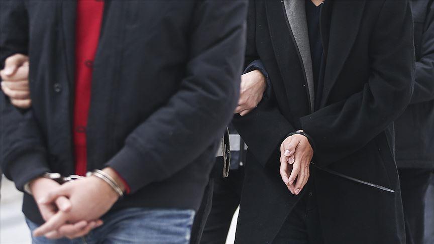 """İstanbul'da FETÖ'nün """"gaybubet evleri""""ne yönelik operasyonda 6 zanlı yakalandı"""