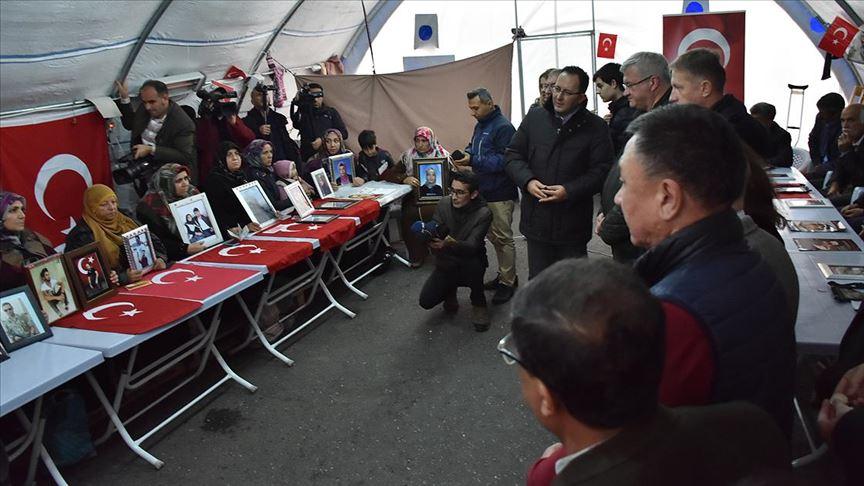 Büyükelçilerden Diyarbakır annelerine ziyaret