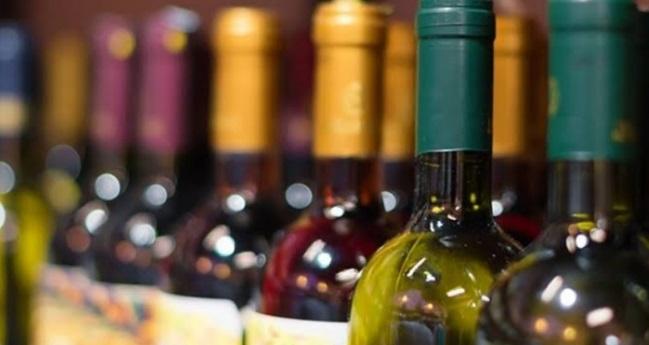 İzmir'de sahte içki zehirlenmesi şüphesiyle ölenlerin sayısı 26'ya yükseldi
