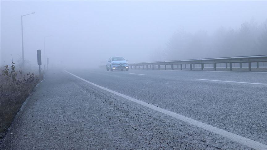 Kastamonu'da sis ulaşımı olumsuz etkiliyor..