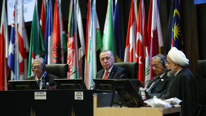 Cumhurbaşkanı Erdoğan: Milli paralarla ticaret meselesi aciliyet kazanmıştır