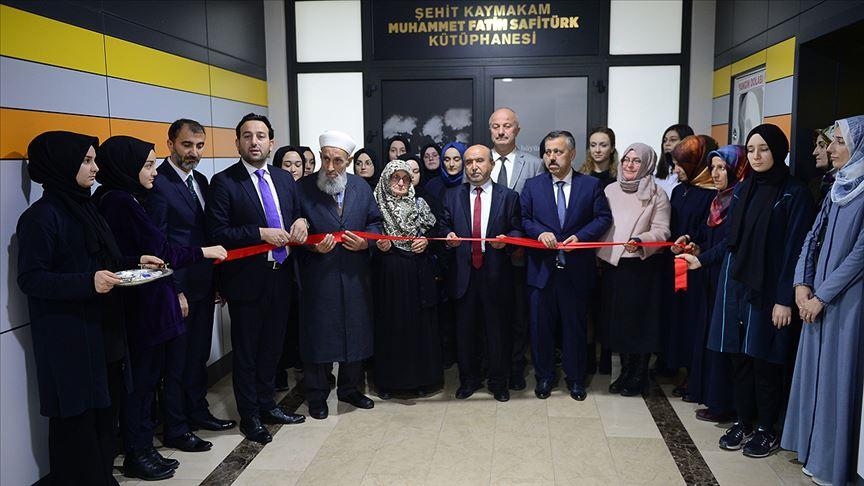 Şehit Kaymakam Safitürk'ün adı Sakarya'da okul kütüphanesine verildi