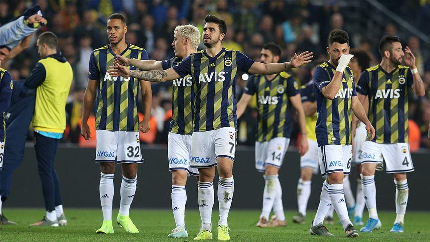 Fenerbahçe ligde son 17 derbide 1 kez yenildi