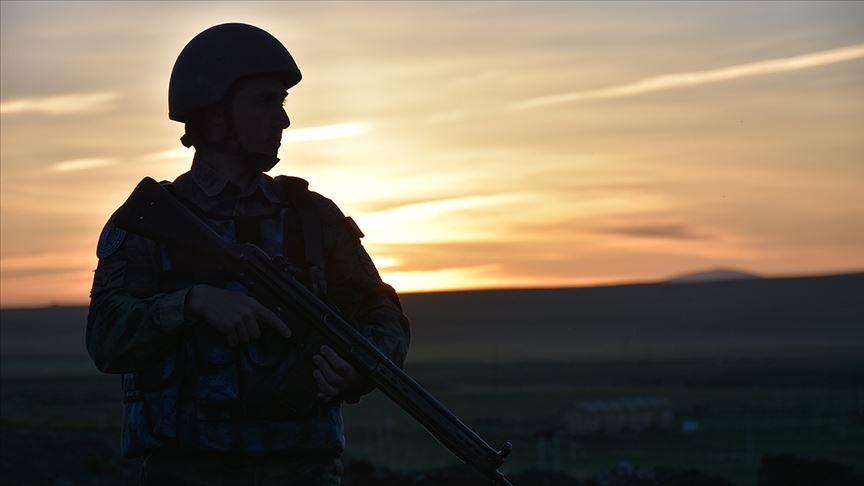 PKK'lı 5 terörist güvenlik güçlerine teslim oldu