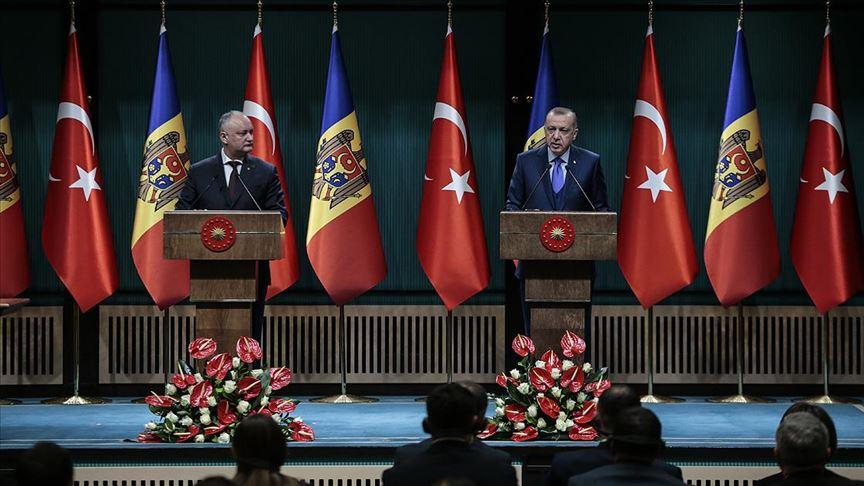 Cumhurbaşkanı Erdoğan: Moldova'daki FETÖ okullarının Türkiye Maarif Vakfı'na devredilmesini bekliyoruz