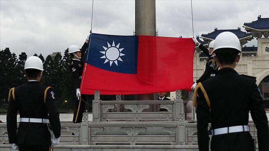 Tayvan'da Genelkurmay Başkanı'nın içinde olduğu helikopter düştü!